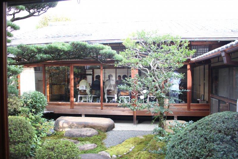四季咲さんの中庭